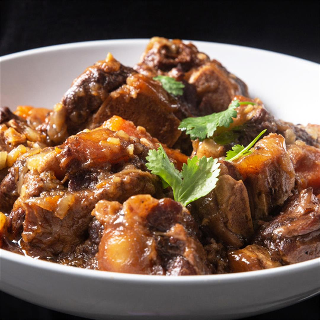Instant Pot Fall-Off-The-Bone Juicy Oxtail