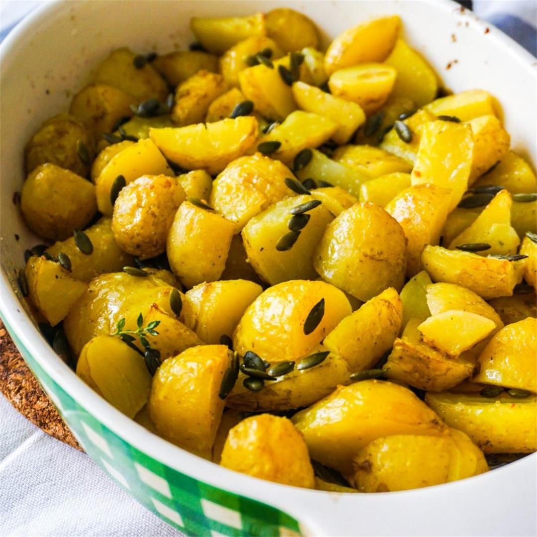 Simple New Potatoes Bake (with Pumpkin Seeds)