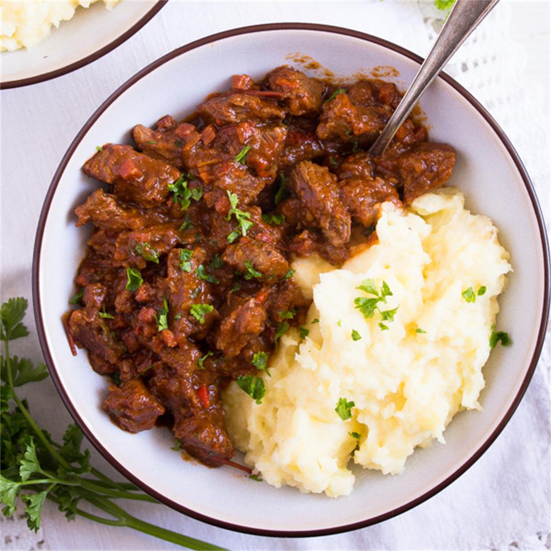 Hungarian Beef Goulash – Authentic Hungarian Goulash Recipe