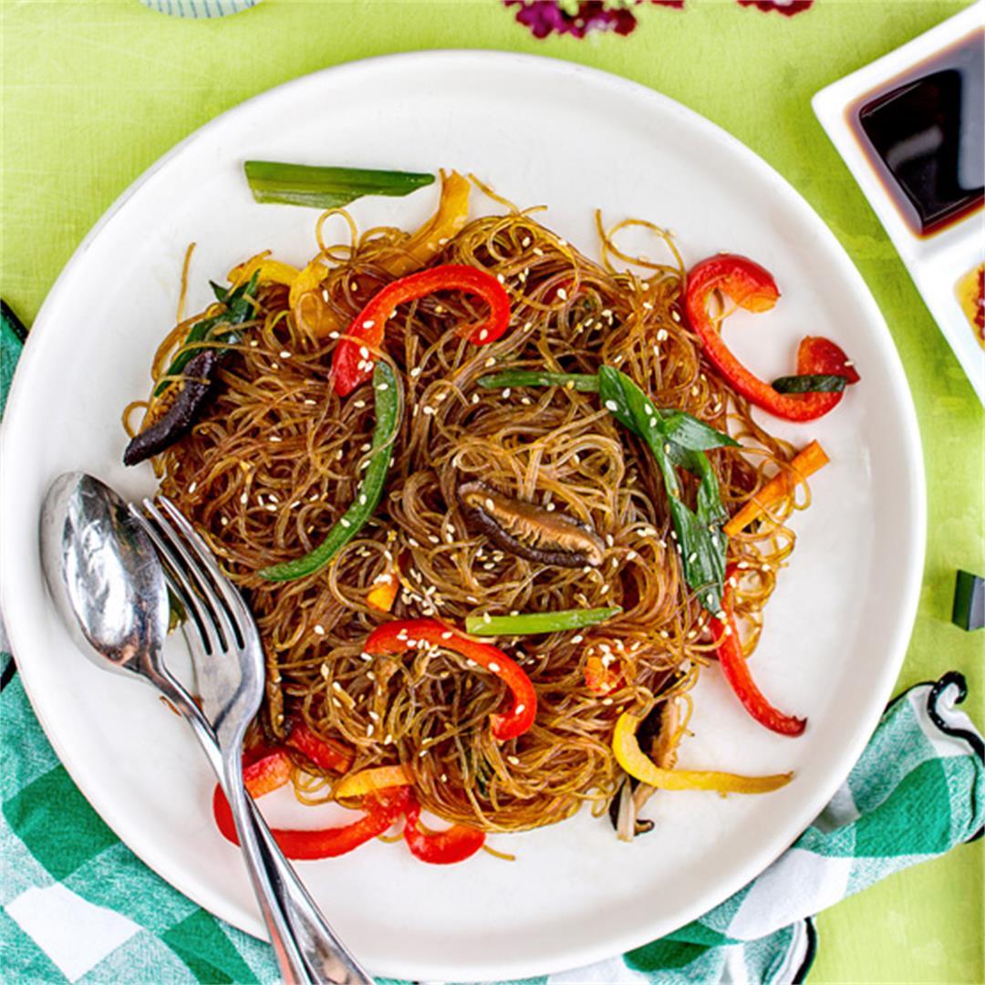 Stir-fried rainbow glass noodles