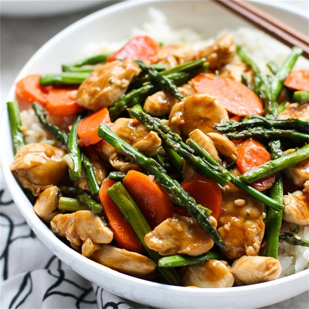 Chicken and Asparagus Stir Fry (Easy + Flavorful)