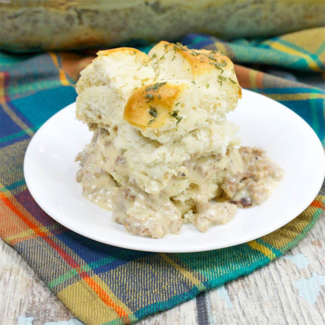Super Easy Biscuits and Gravy Casserole