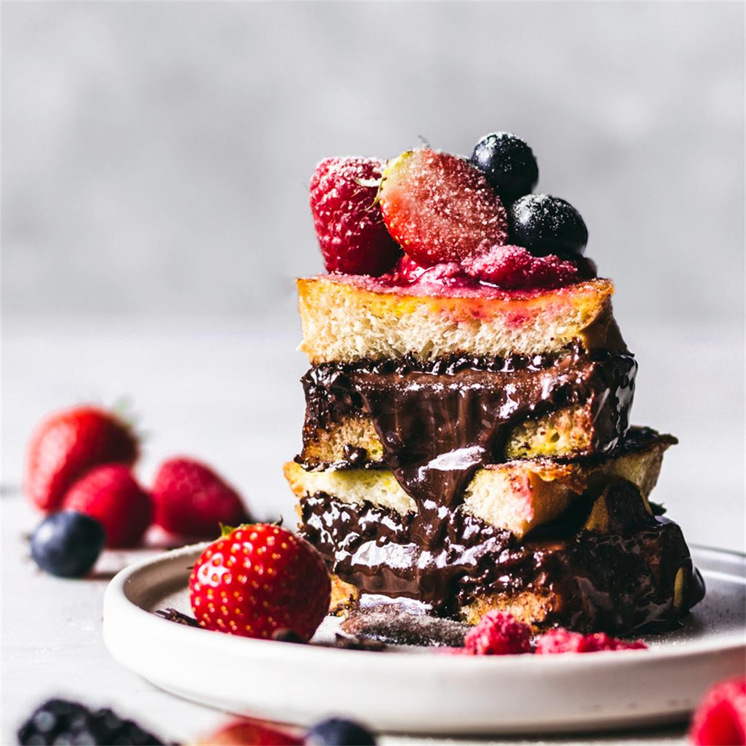 Nutella & Dark Chocolate Stuffed French Toast