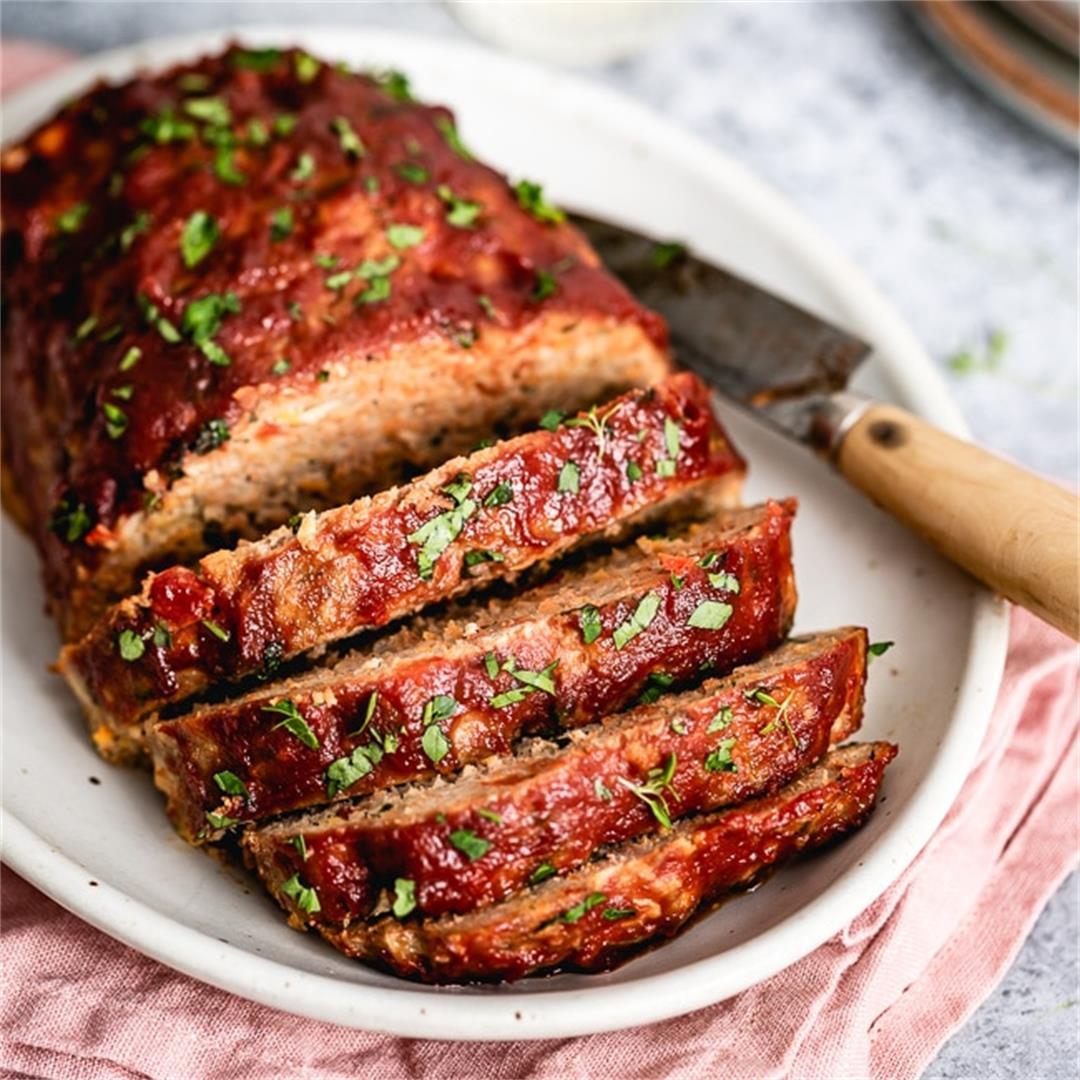 Best Ground Turkey Meatloaf Recipe {QUICK VIDEO}