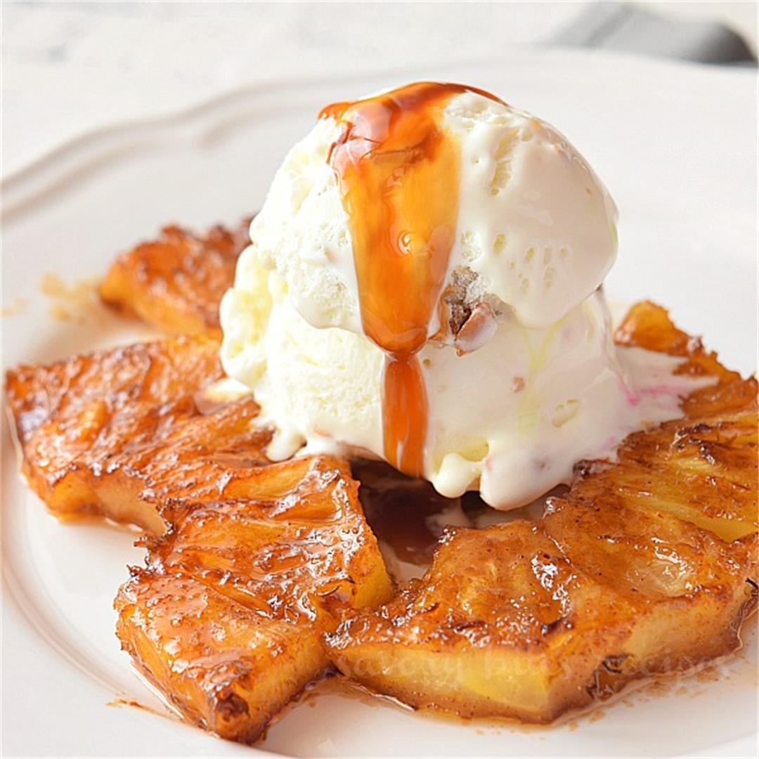 Best Grilled Pineapple Slices (With Brown Sugar and Cinnamon