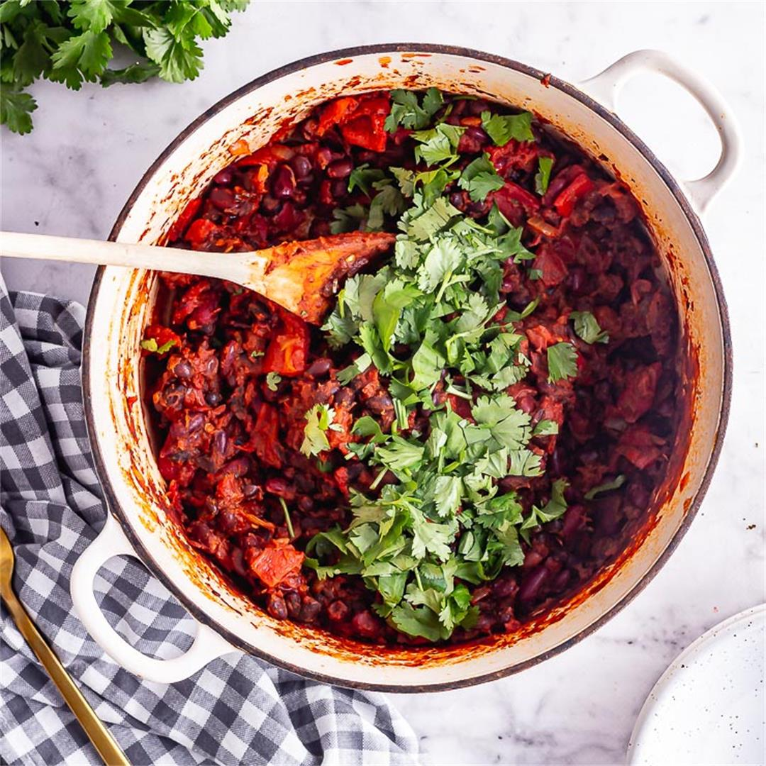 Easy Mixed Bean Chilli with Roasted Red Peppers