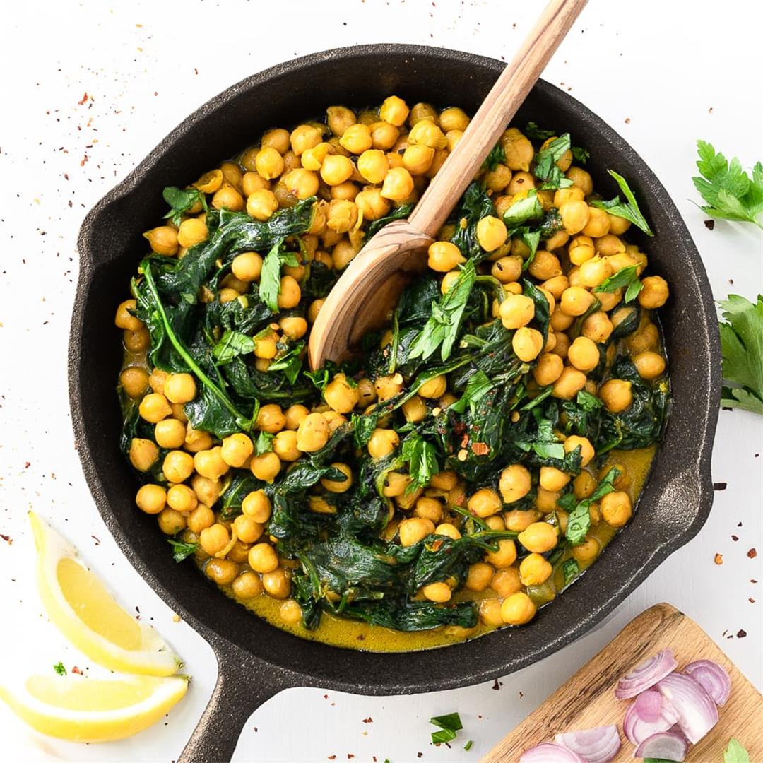 10-Minute Chickpea Curry: Perfect For Meal Prep!