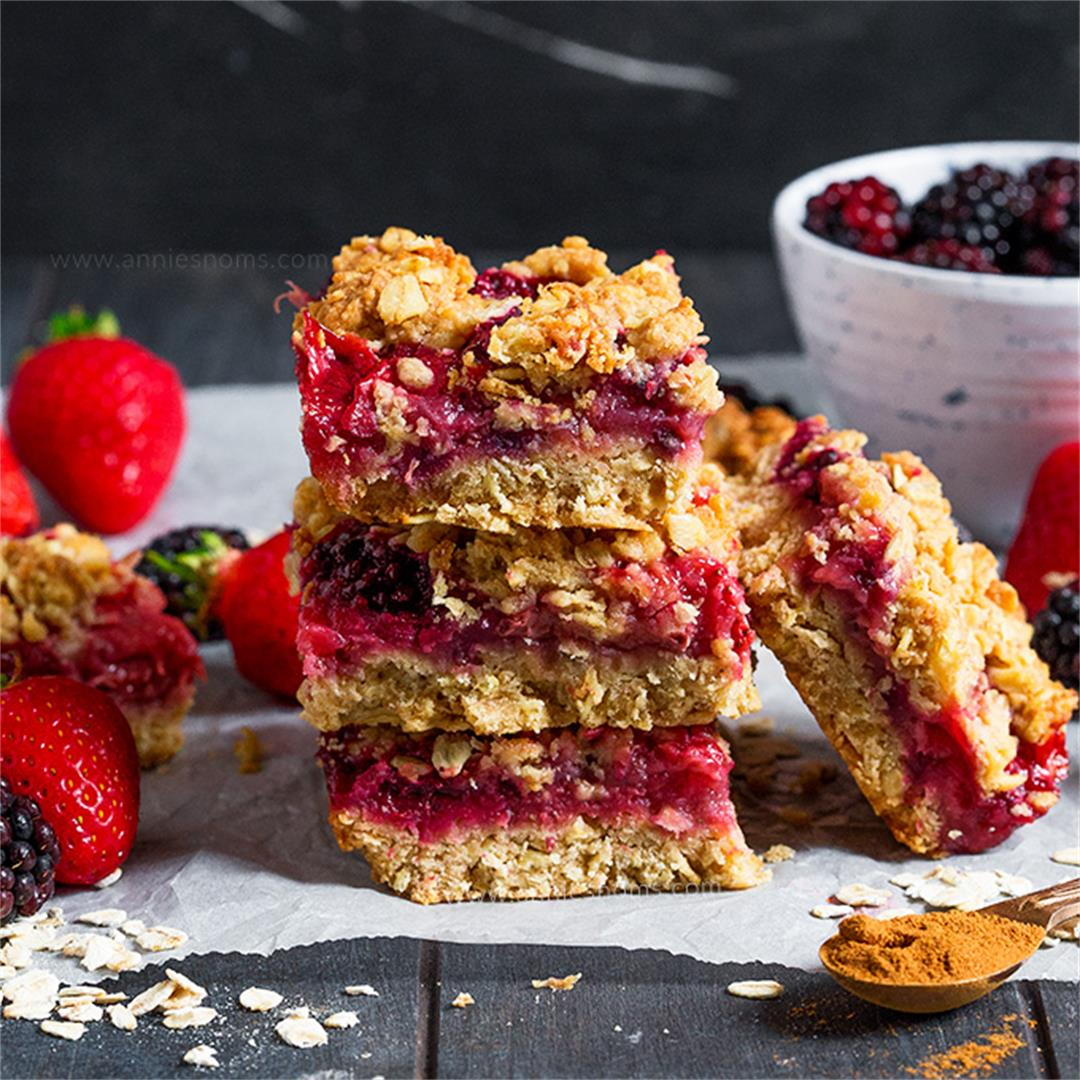 Strawberry and Blackberry Oatmeal Bars