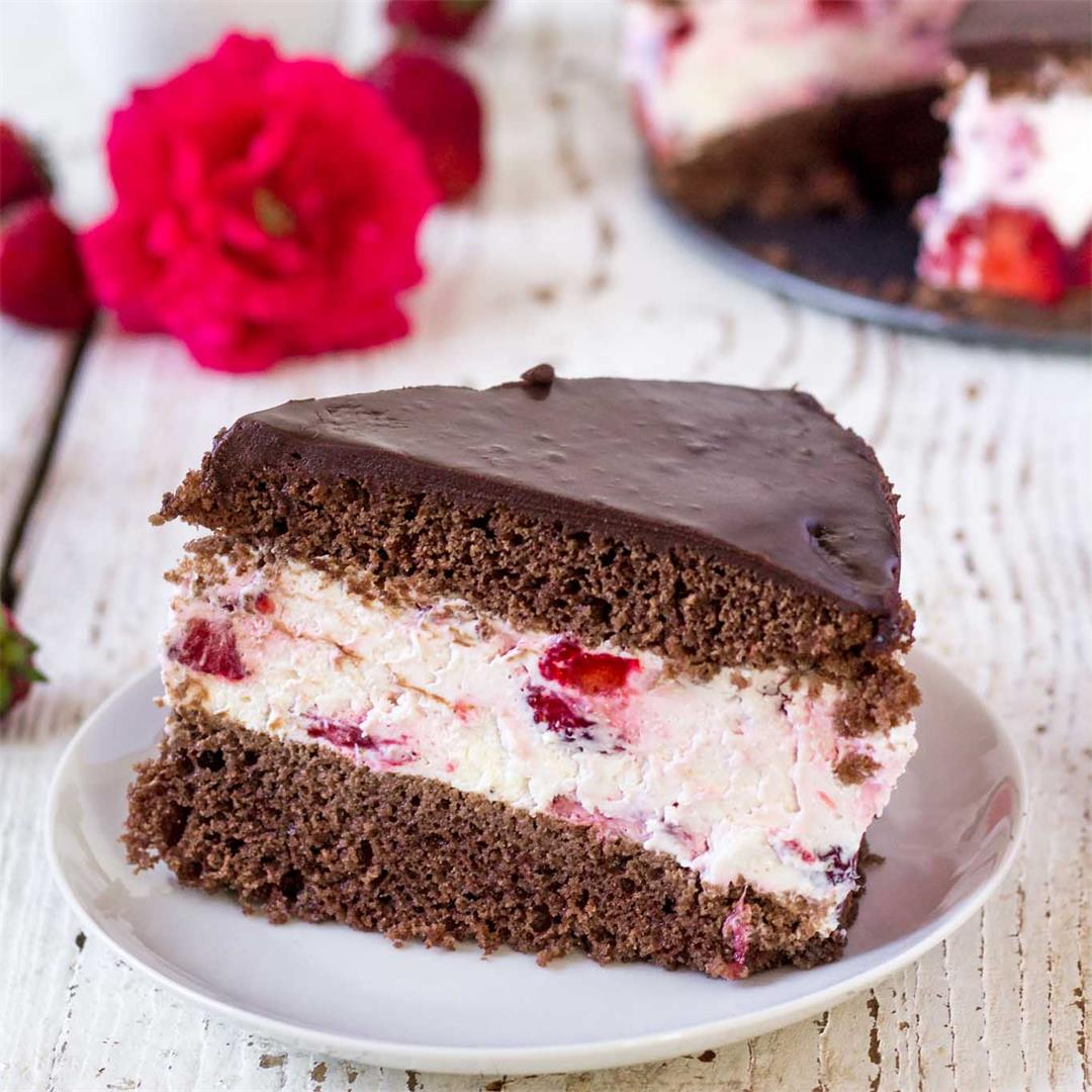 Strawberry Cocoa Cheesecake Torte