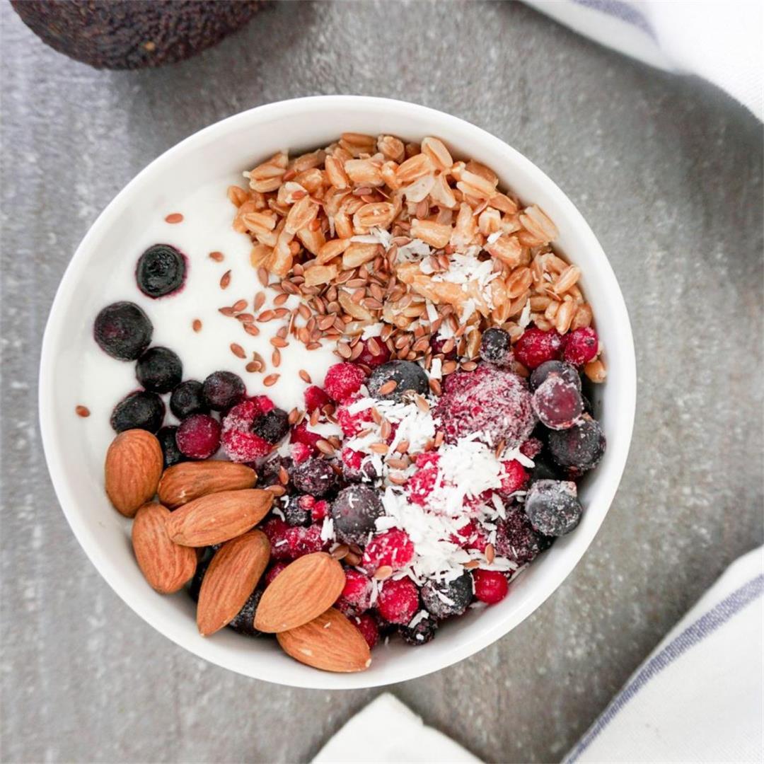 Spelt Yogurt Breakfast Bowl