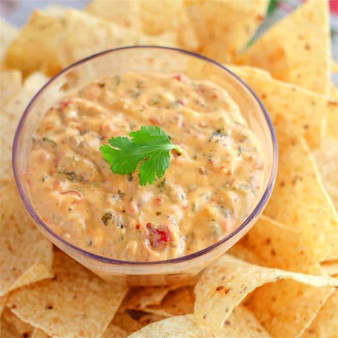 the Easiest Sausage Queso Dip (slow-cooker) ⋆ NellieBellie