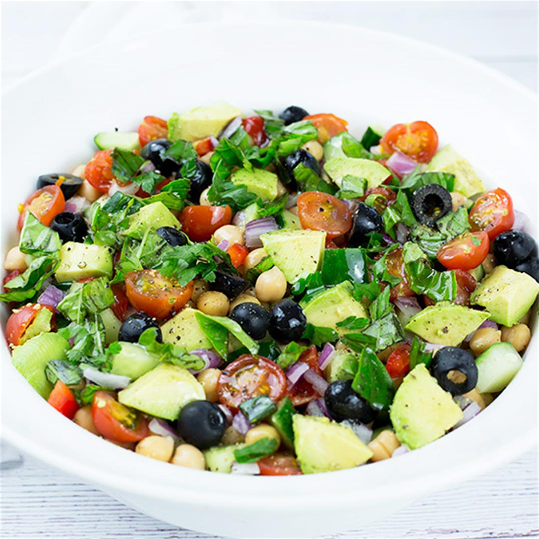 Chunky Mediterranean Chickpea Salad
