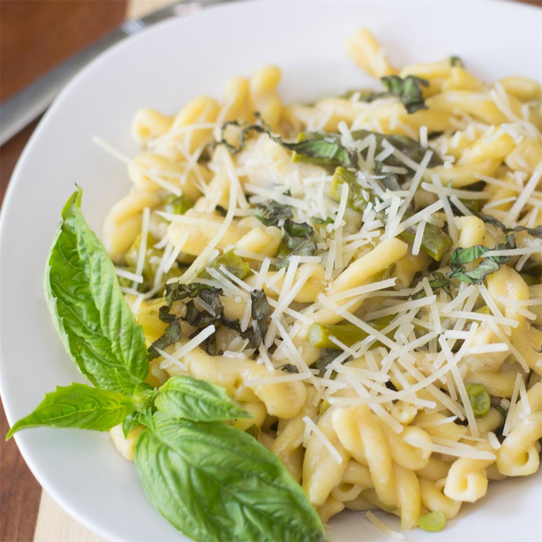 One-Pot Pea and Asparagus Pasta Recipe