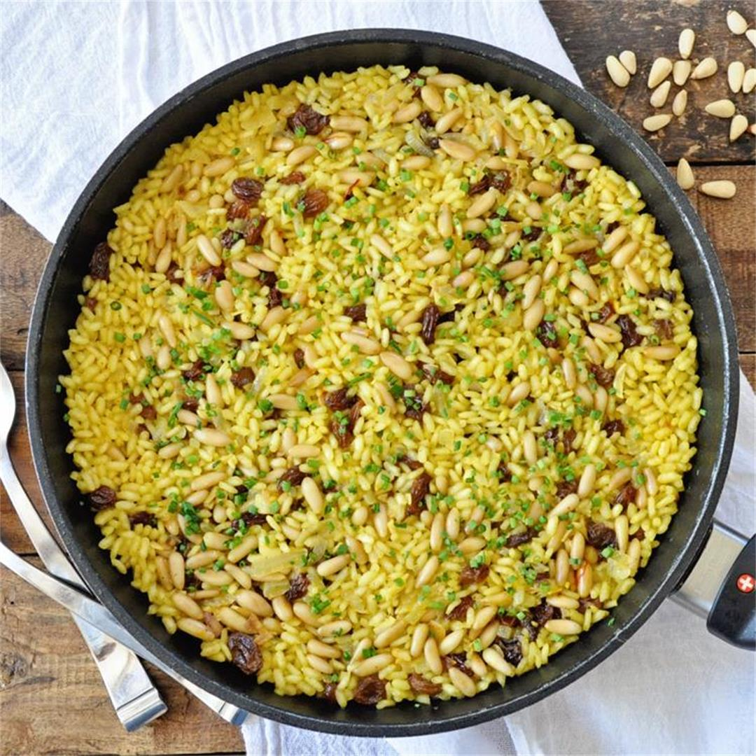 Spanish Saffron Rice with Raisins & Pine Nuts Recipe