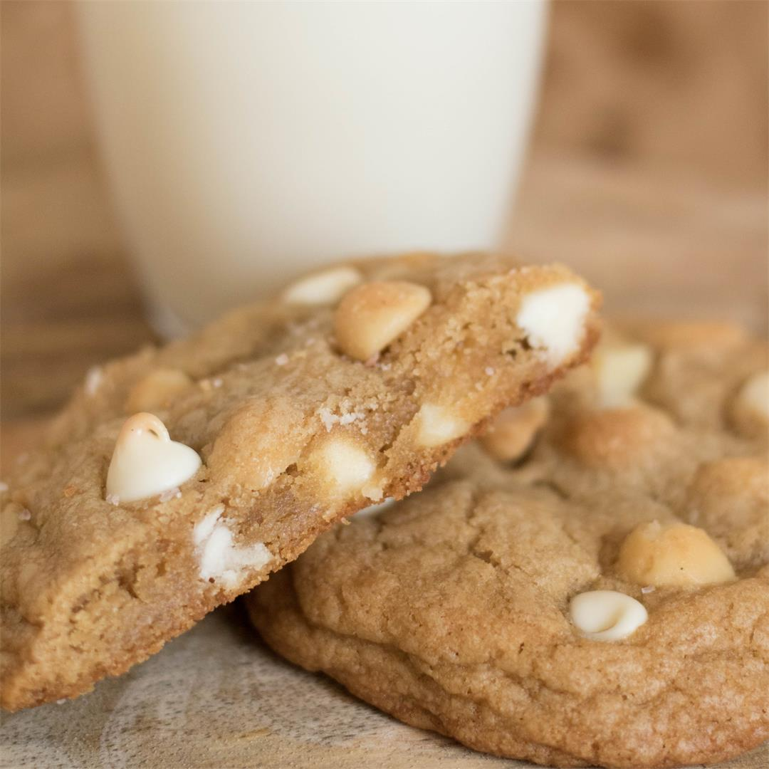 Brown butter hite chocolate macadamia cookies