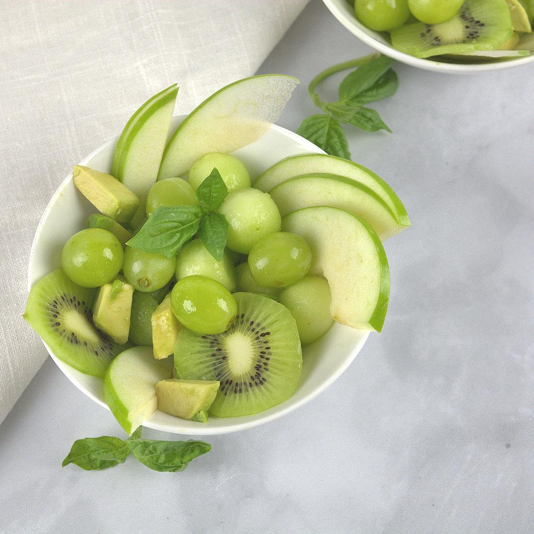 Juicy Green Fruit Bowl Salad – A Gourmet Food Blog