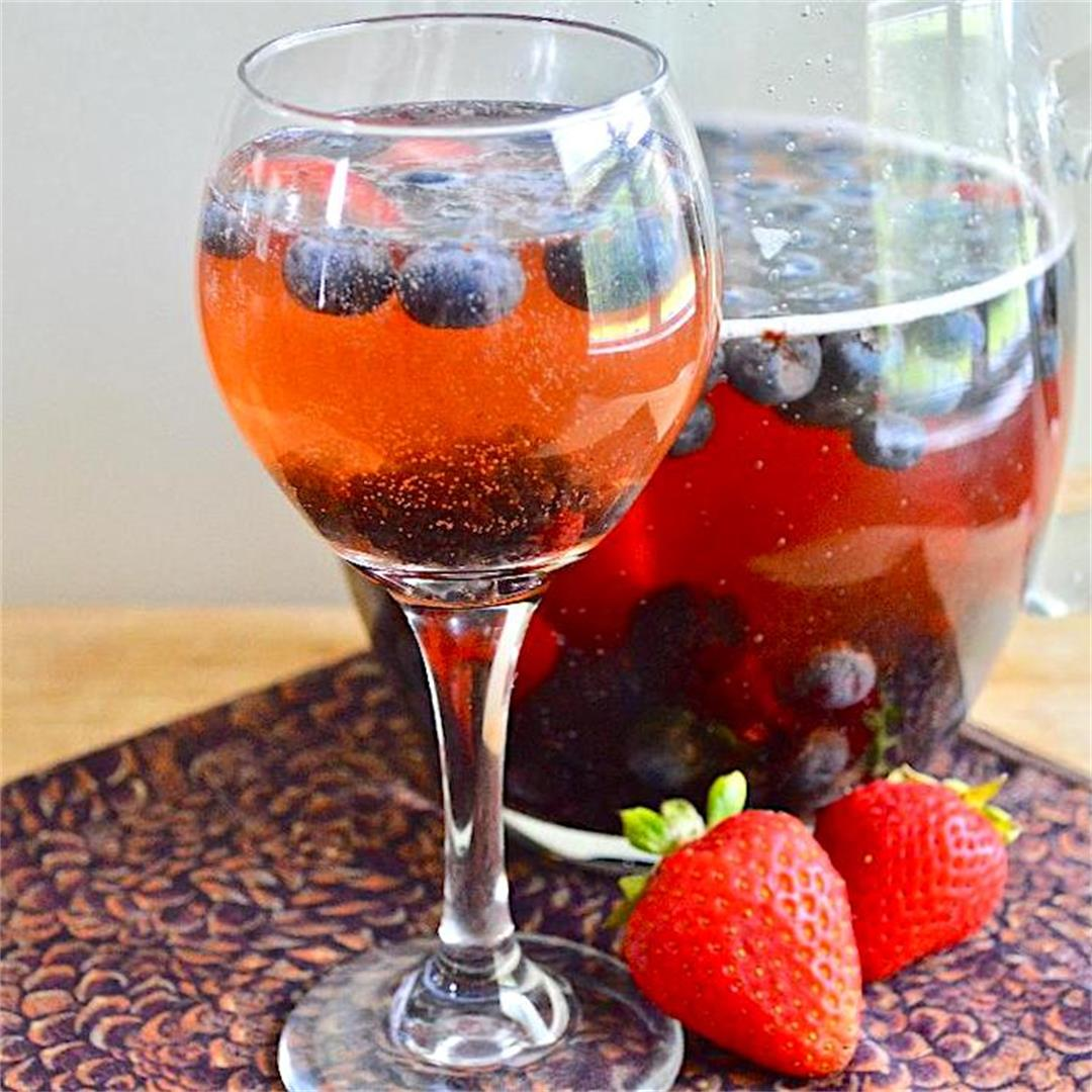 Sparkling Berry Rosé Sangria - Jeanie and Lulu's Kitchen