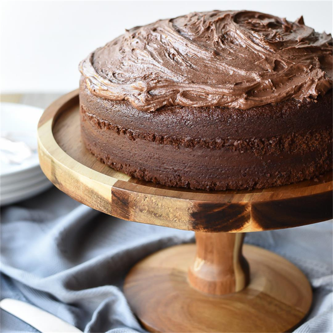 Quick-mix Chocolate cake with chocolate frosting