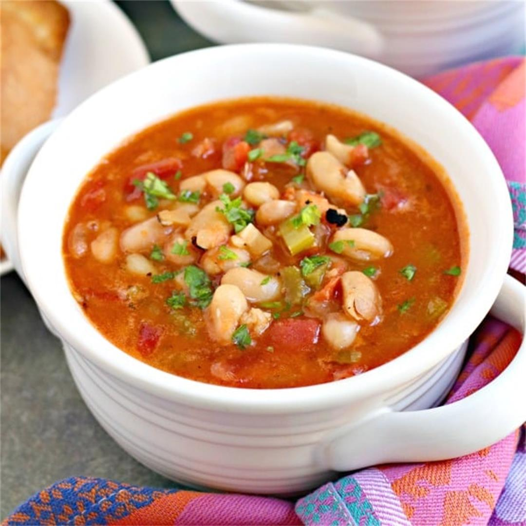 Vegan White Bean Soup with Tomatoes