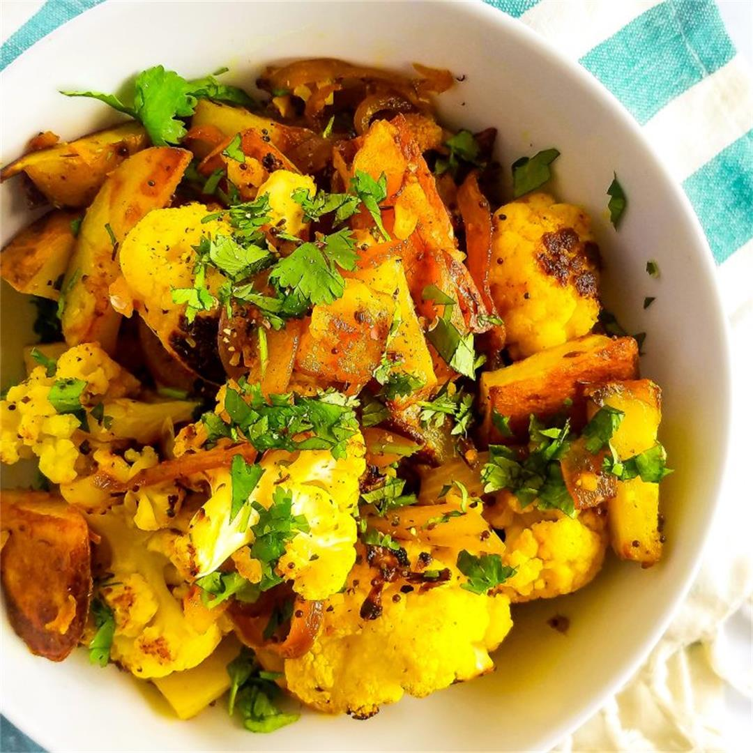 Aloo Gobi (Potatoes & Cauliflower)