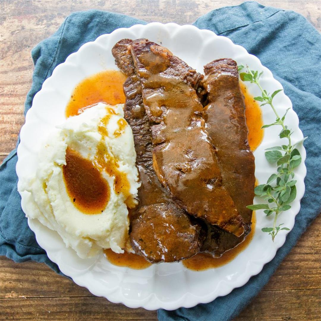 Instant Pot Ribs and Gravy