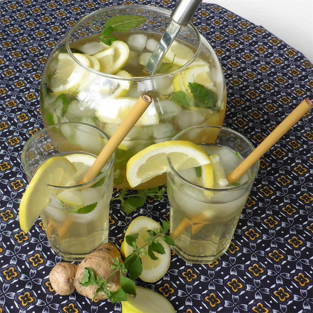 Easy & Healthy Garden Fresh Lemon Balm And Ginger Root Iced Tea