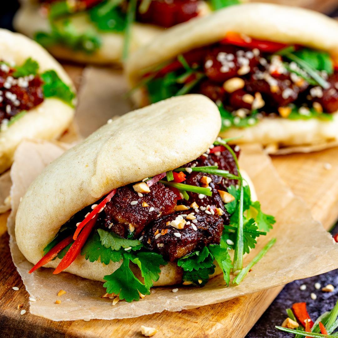 Gua Bao (Pork Belly Bao Buns)