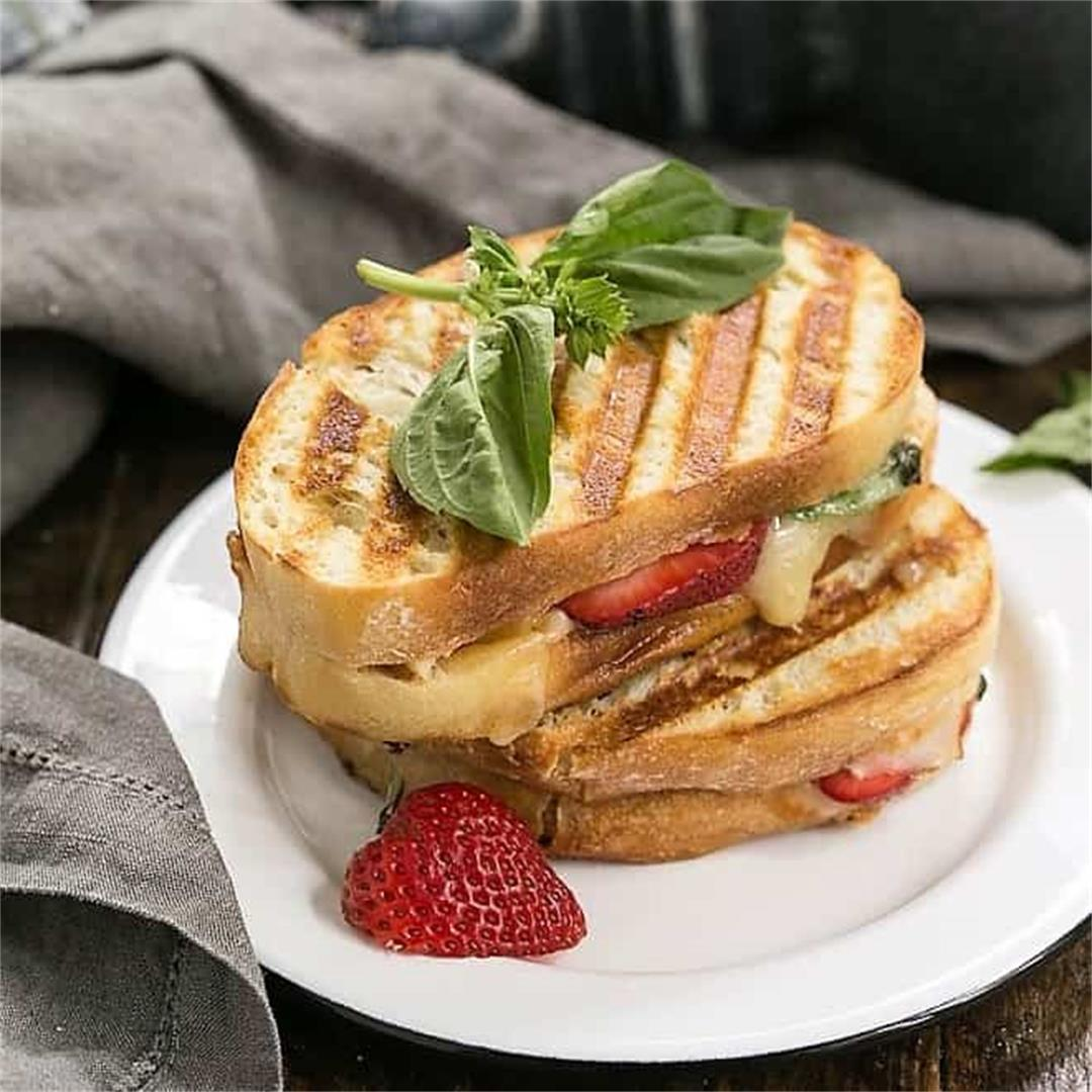 Strawberry, Turkey and Brie Grilled Cheese