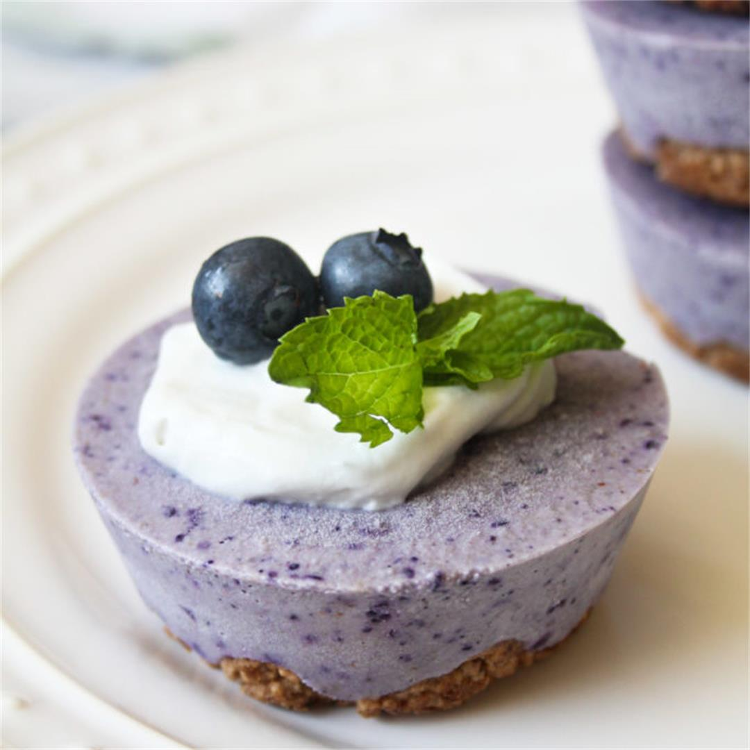 Vegan Blueberry Cheesecake with an Oat Crust