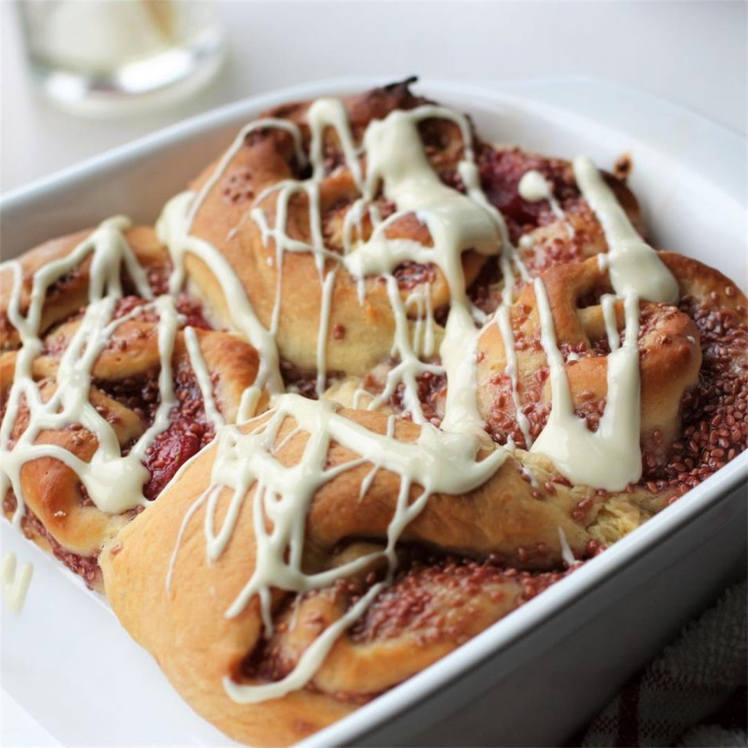 Vegan Strawberry Rolls Recipe (like a cinnamon roll)