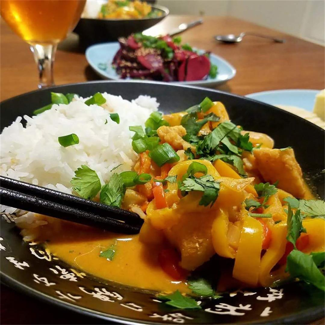 Red Thai Curry with Chicken and Peppers