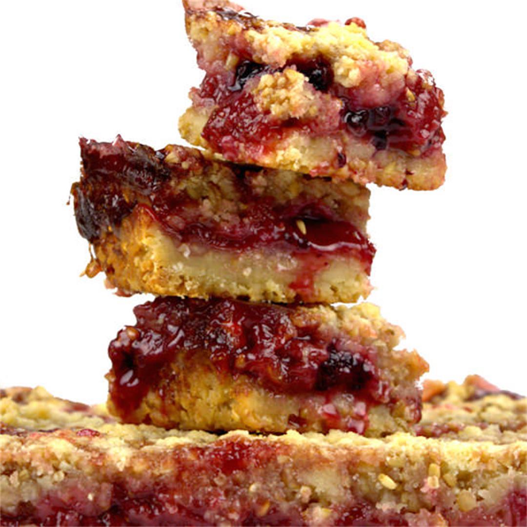 Strawberry Oat Macadamia Bars – A Gourmet Food Blog