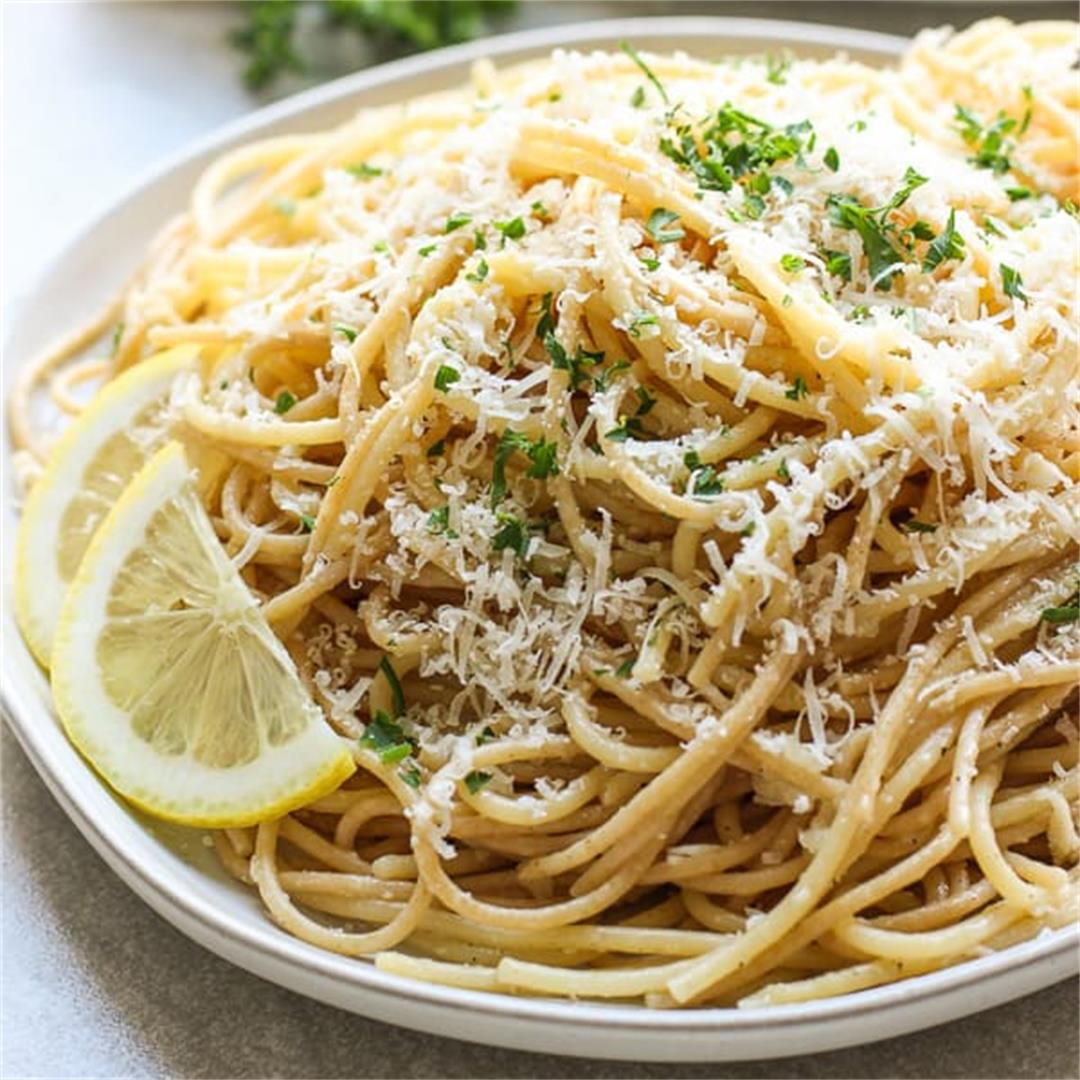 Lemon Garlic Parmesan Pasta (Easy Spaghetti Recipe!)
