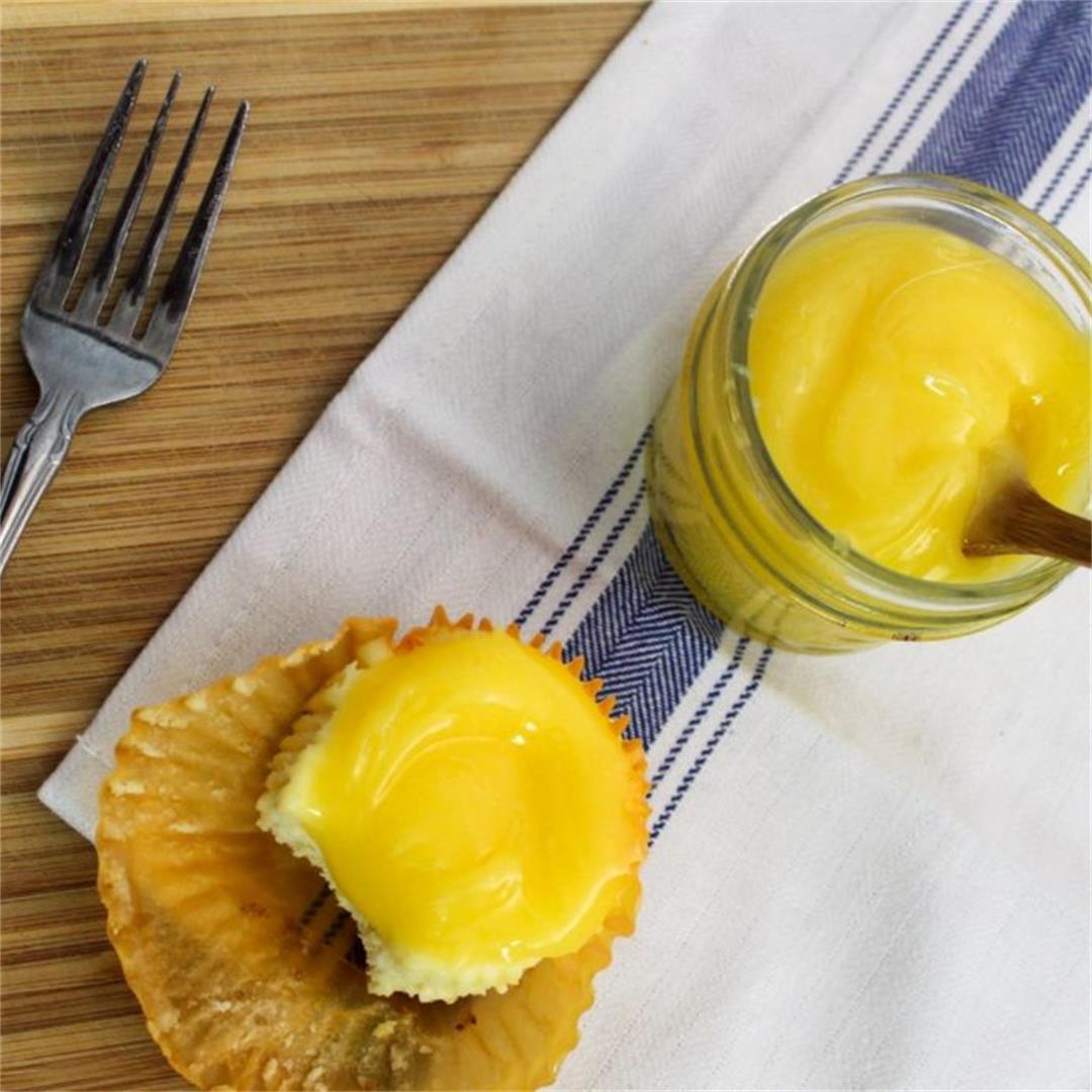 Mini Mascarpone Cheesecakes with Lemon Curd