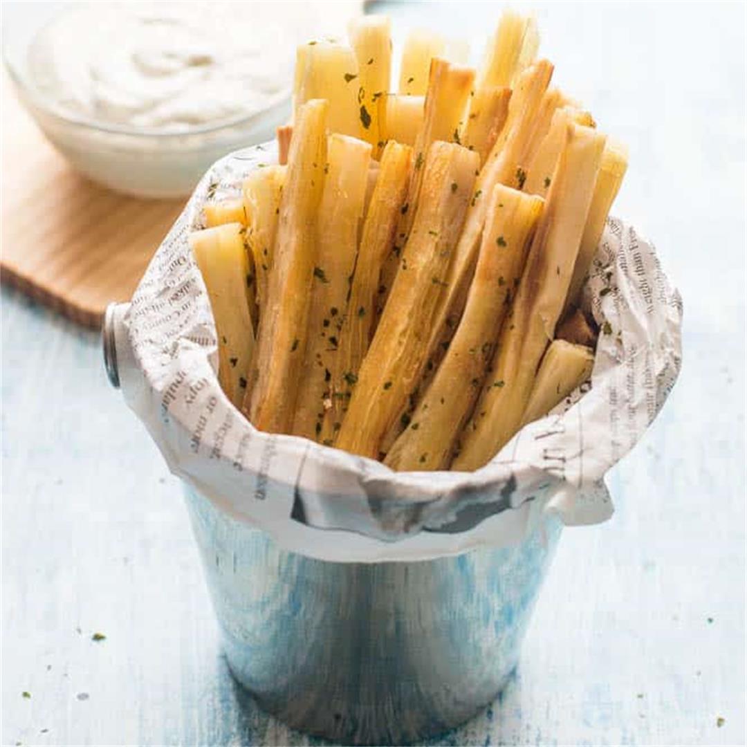 Baked yucca fries with lime yoghurt dip (vegan)