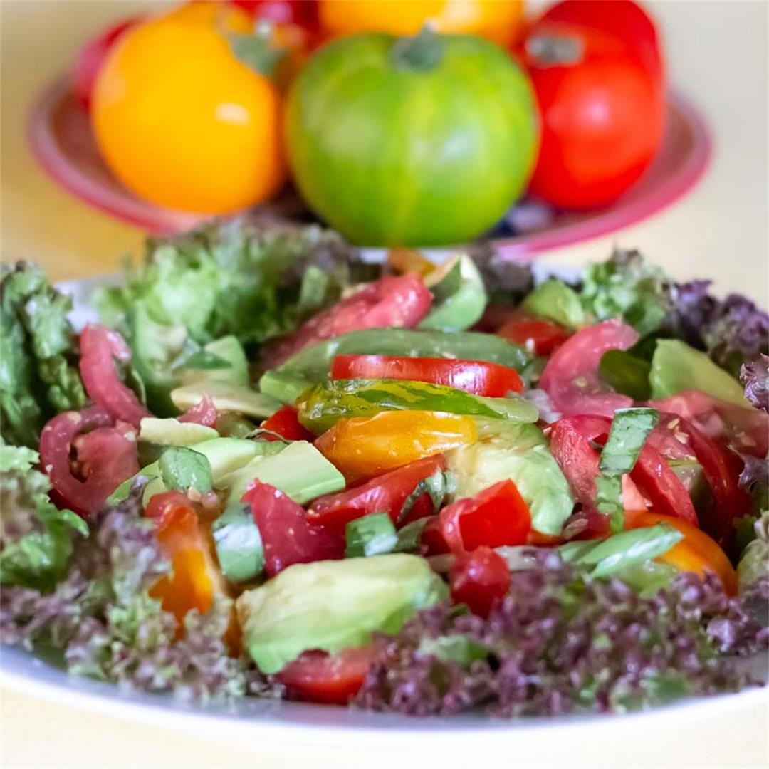 Summer Tomatoes & Avocado Salad