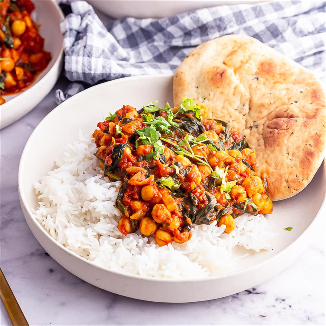 15 Minute Chickpea and Spinach Curry