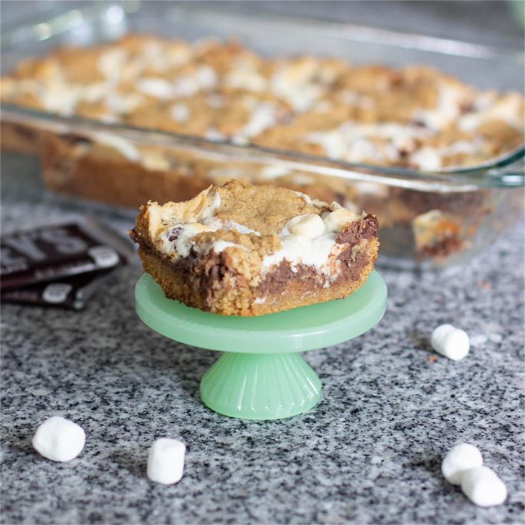 Delicious and Gooey S'mores Bars Recipe