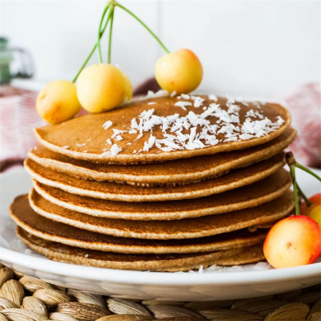 One Bowl Spelt Pancakes (4 Ingredients)