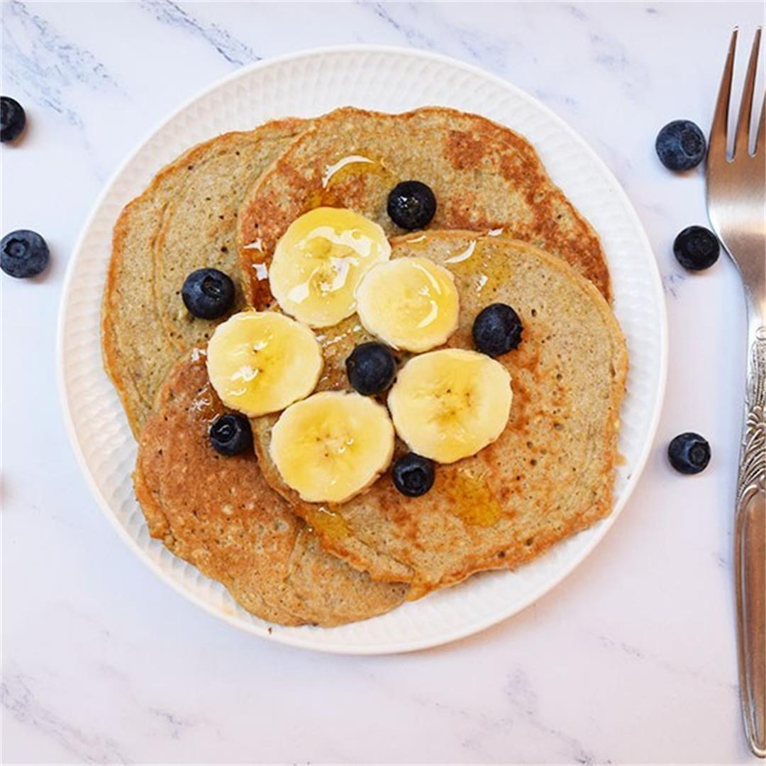 Delicious Banana Oatmeal Pancakes