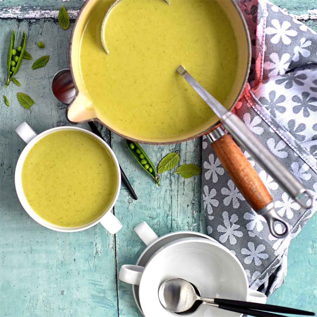 broccoli, pea and mint soup