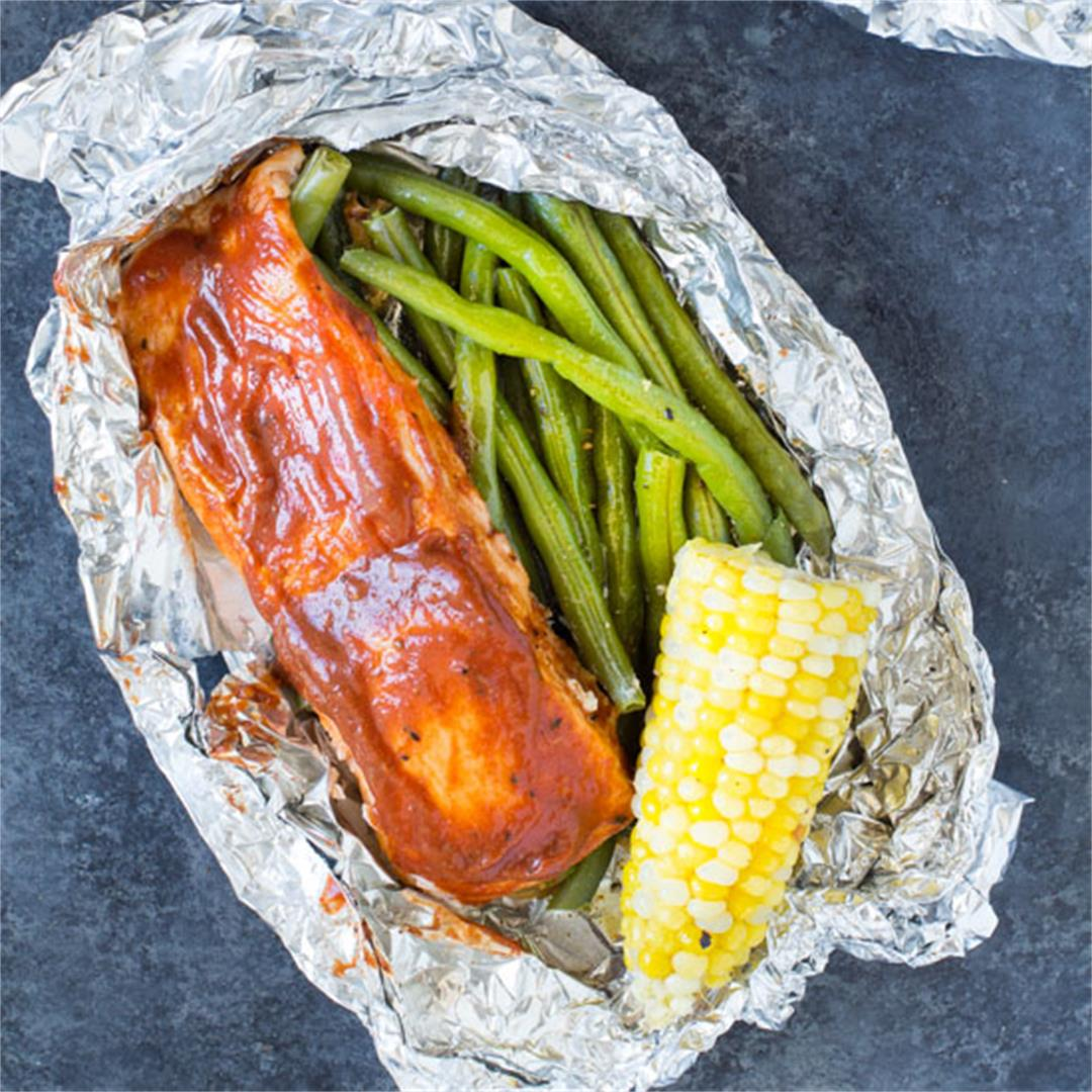 Barbecue Salmon Foil Packets with Green Beans and Corn on The C
