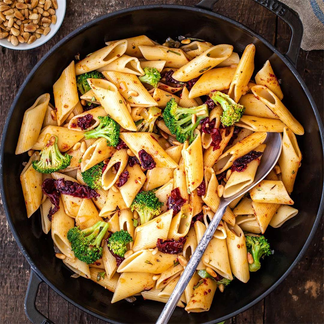 One Skillet Pasta with Sun Dried Tomatoes, Broccoli & Pine Nuts