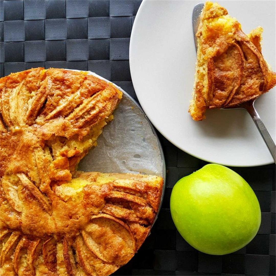 Authentic Norwegian Apple Cake (Eplekake)