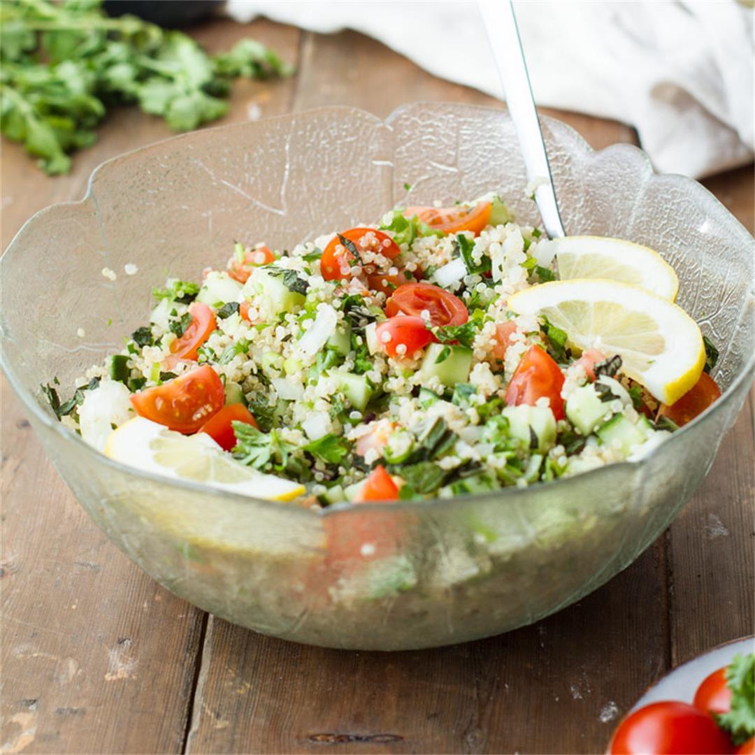 Tabbouleh Recipe with Quinoa (Vegan Tabouli Salad)