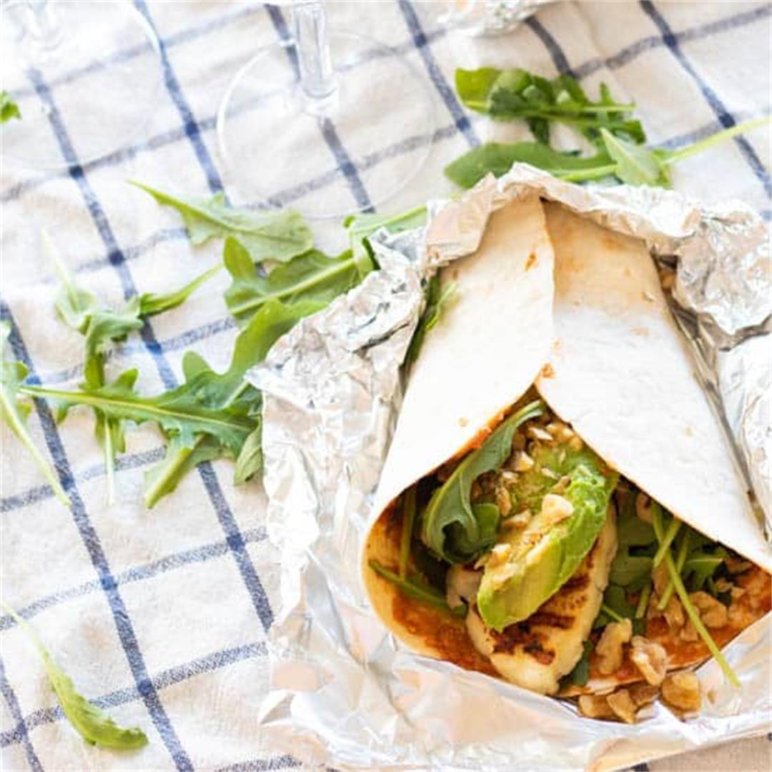 Easy Vegetarian Wraps with Avocado & Halloumi
