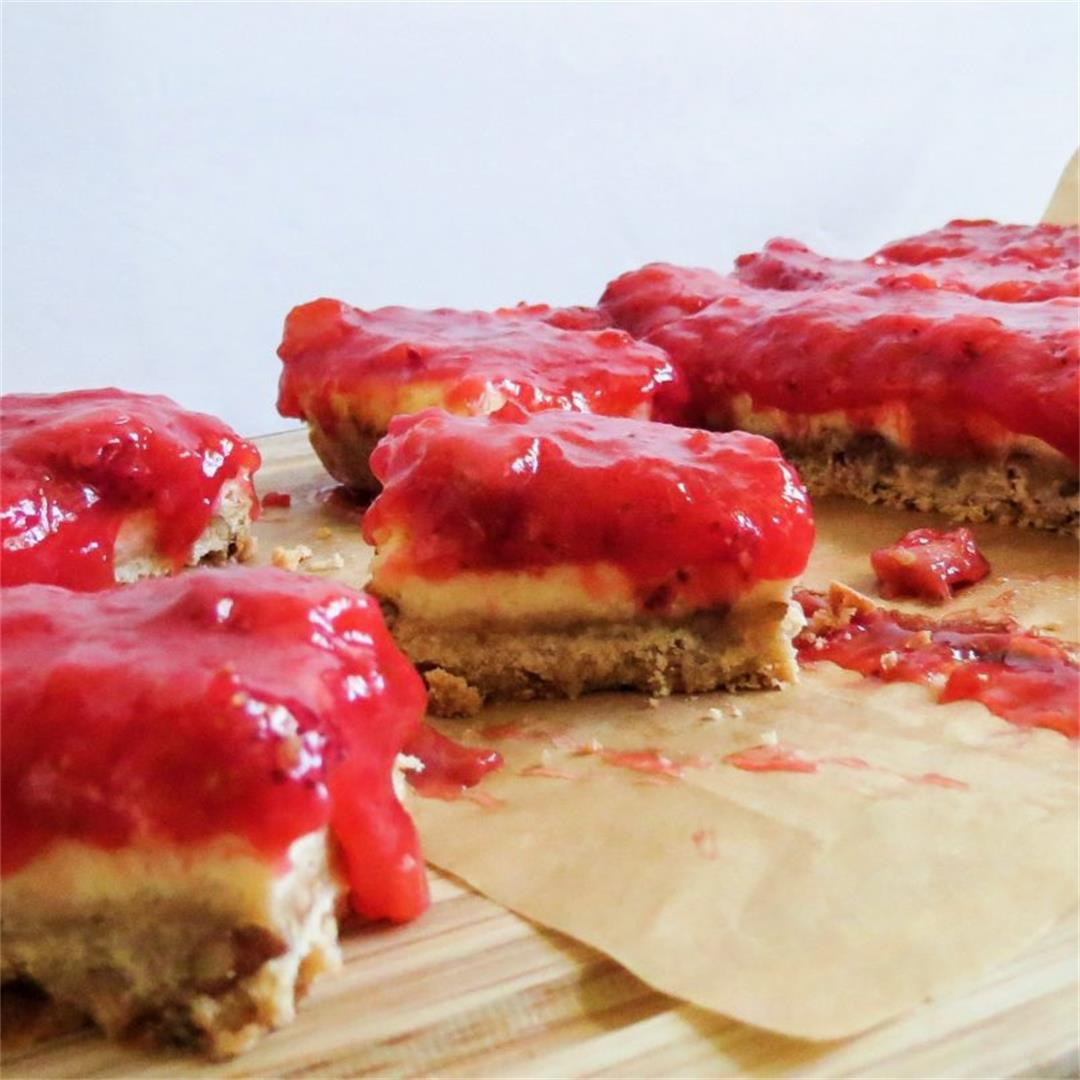 Strawberry Rhubarb Cheesecake Bars Recipe