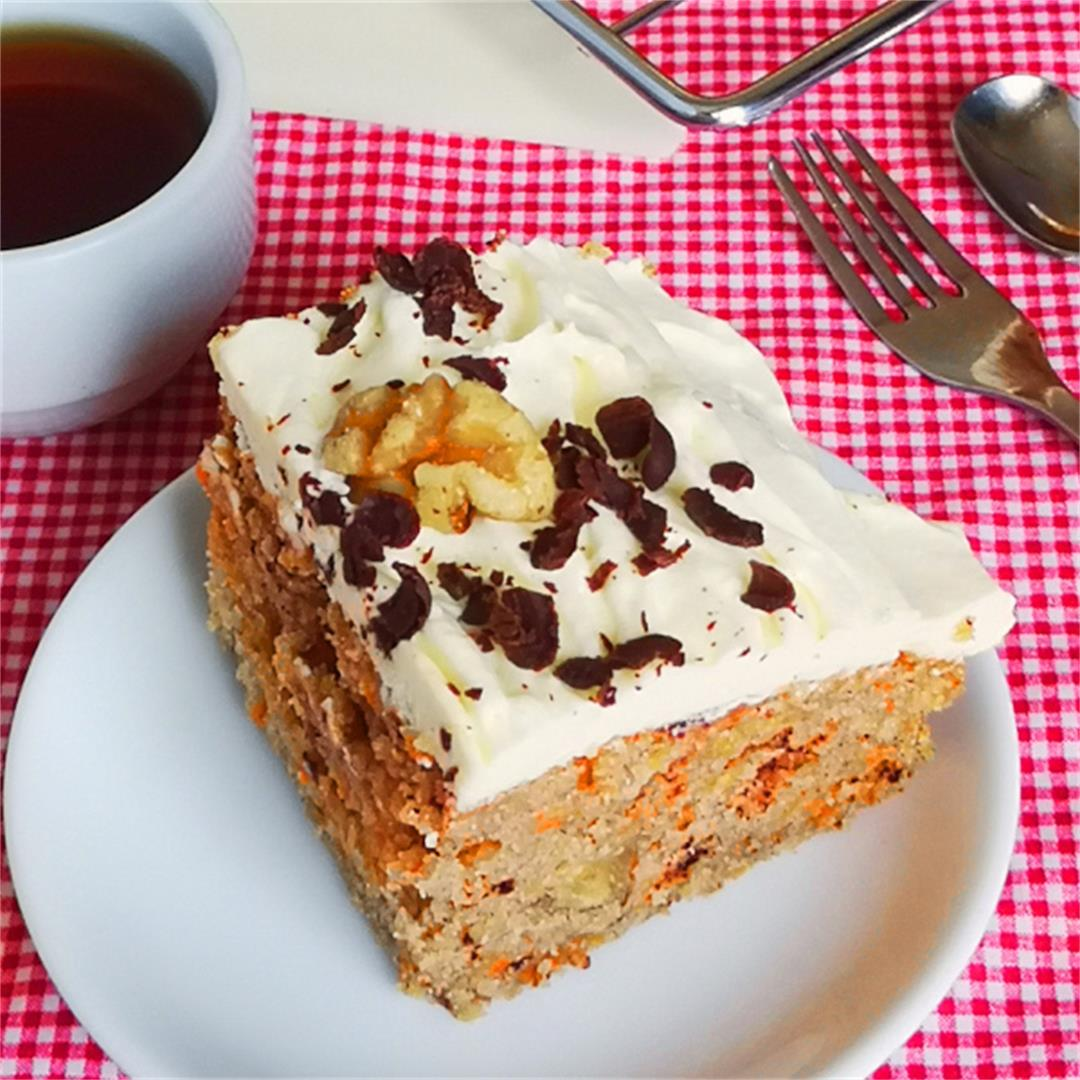 Easy carrot cake recipe- How to make it at home (with video)