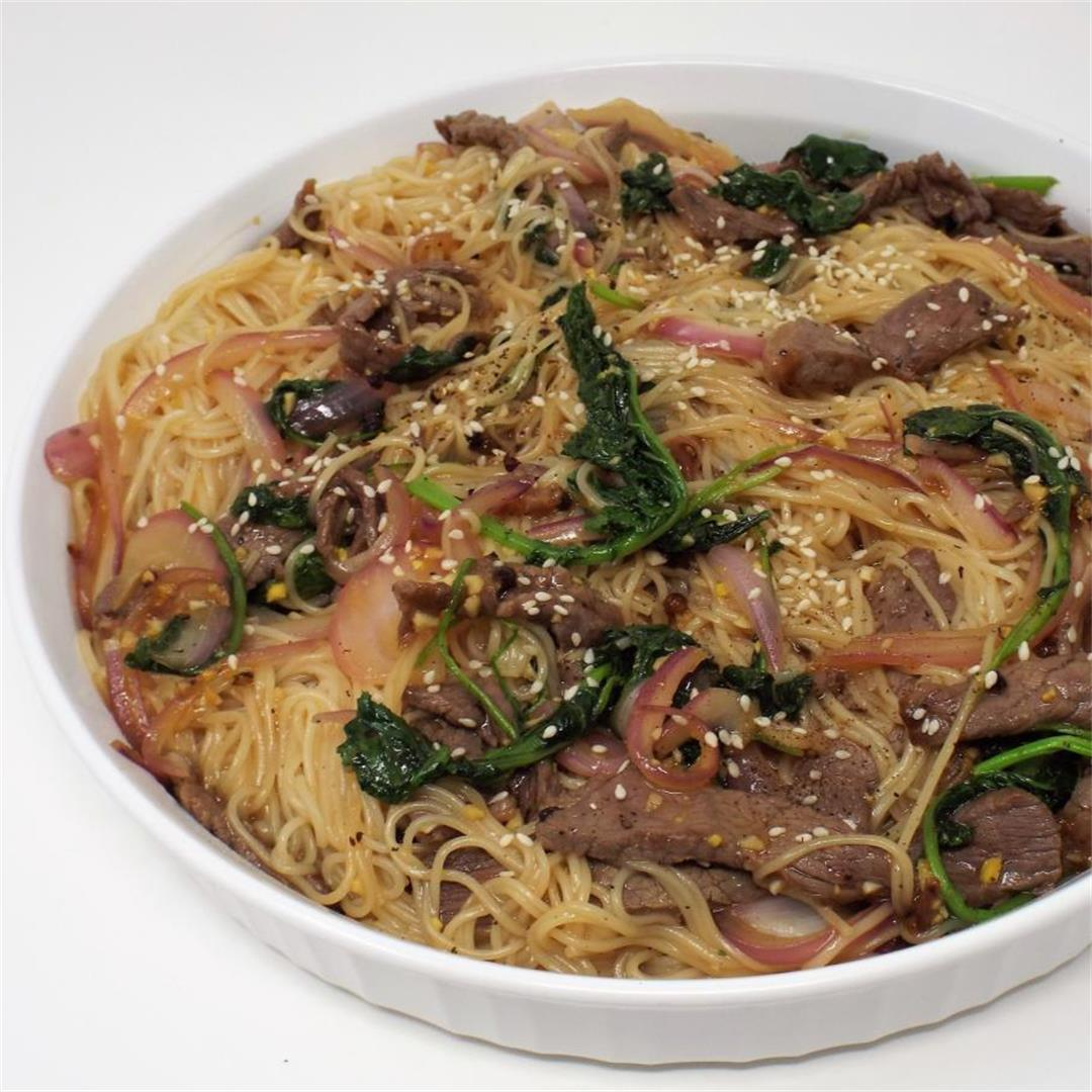 Beef and Noodles with Black Pepper Sauce