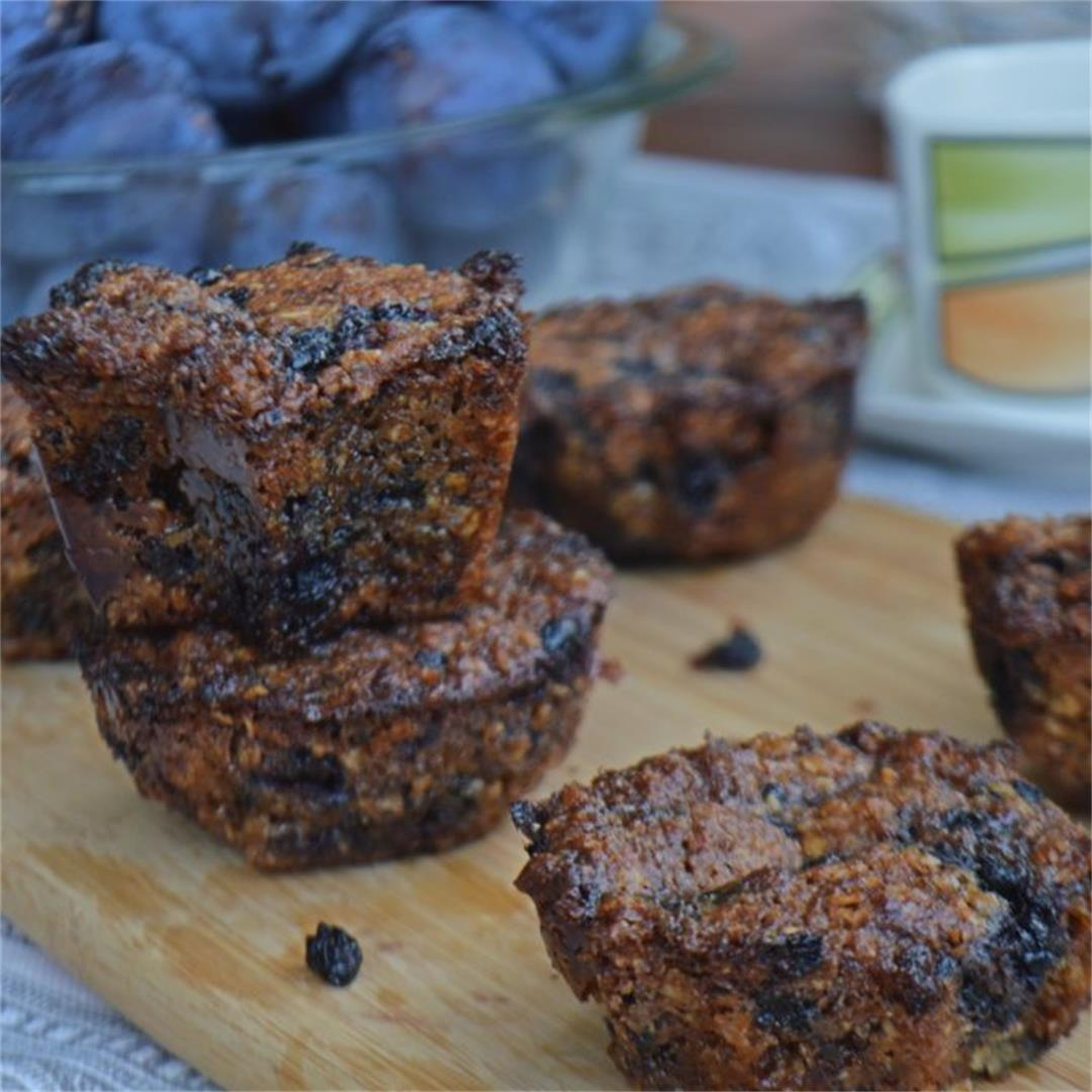 Aronia Berry Oat Muffins with Chocolate — Tasty Food for Busy M